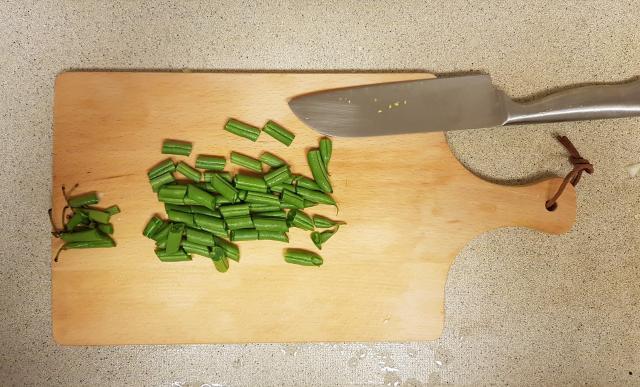 AH verspakket gezonde groentensoep sperziebonen snijden