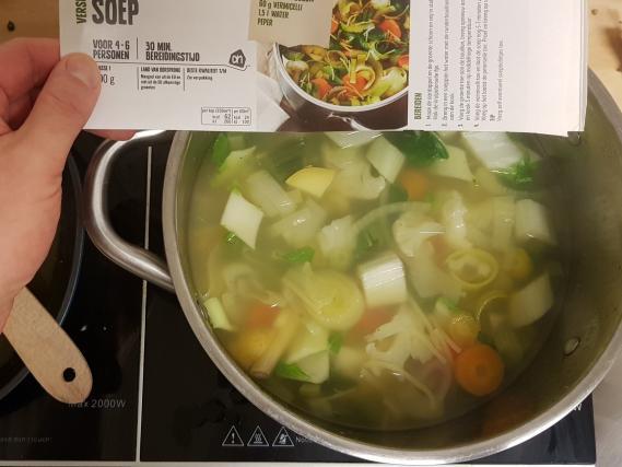AH verspakket gezonde groentensoep vergelijk met foto