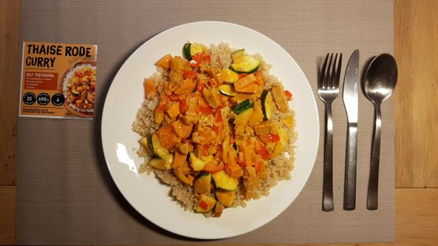 https://desnellehap.nl/wp-content/uploads/2019/02/Jumbo-verspakket-thaise-rode-curry-klaar-op-tafel-ready-to-eat.jpg