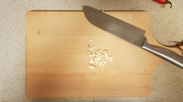 Jumbo verspakket thaise rode curry knoflook snijden