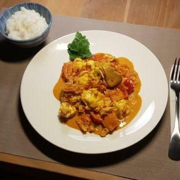 ah verspakket Indiase curry madras klaar op tafel