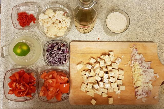 indiase curry madras verspakket hoogvliet alle ingredienten klaar voor koken
