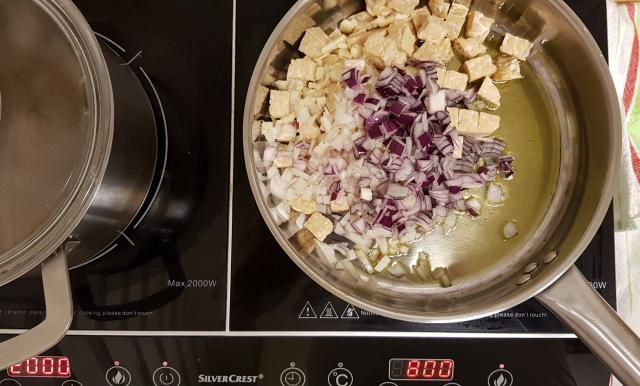 indiase curry madras verspakket hoogvliet ui en kipfilet surrogaat bakken