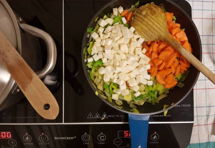 Hoogvliet erwtensoep pakket spliterwten groenten aanfruiten
