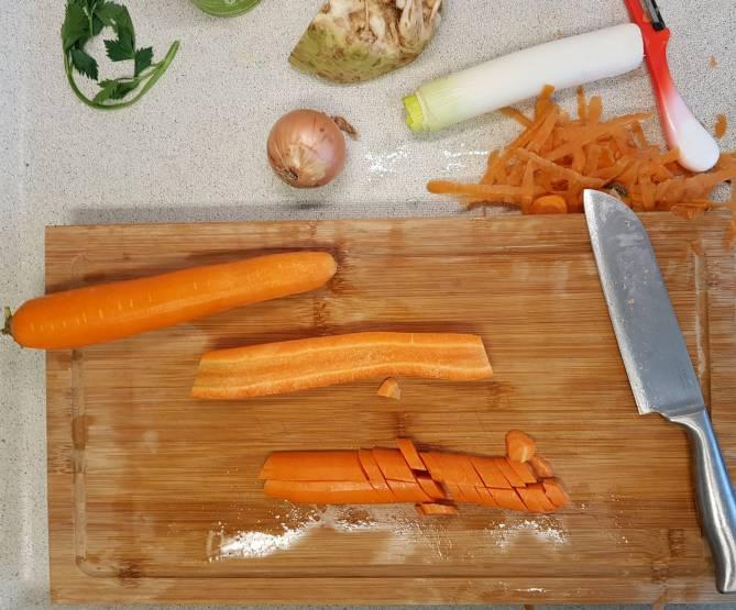 Erwtensoep pakket Dirk wortel snijden