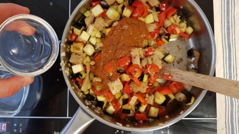 Tandoori wrap met avocado van plus verspakket aubergine saus toevoegen