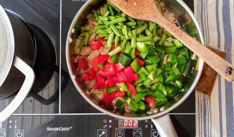 Kip Siam verspakket paprika en sperziebonen