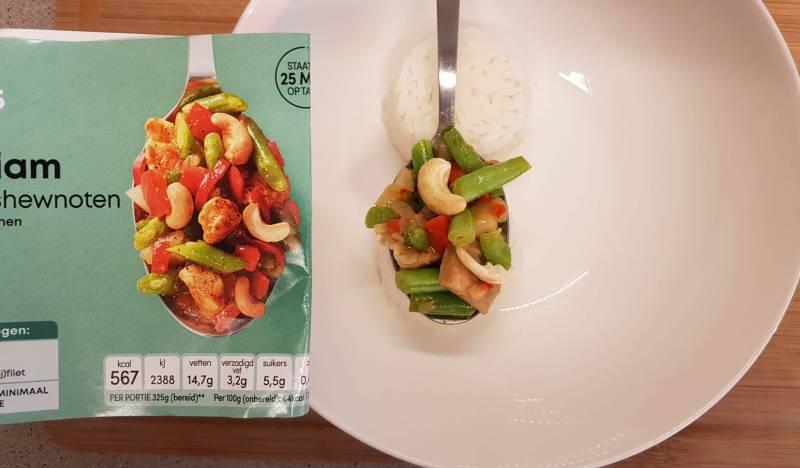 Kip Siam met cashewnoten  verspakket van PLUS