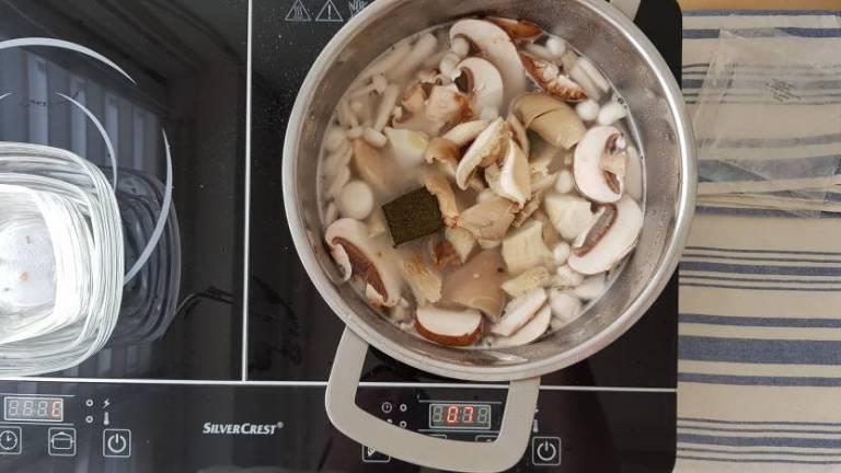 Jumbo soeppakket paddenstoelensoep paddenstoelen toevoegen